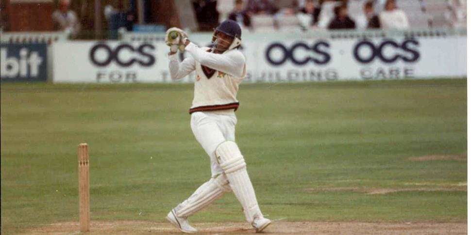 Wasim Akram batting for Lancashire County Cricket Club.jpg