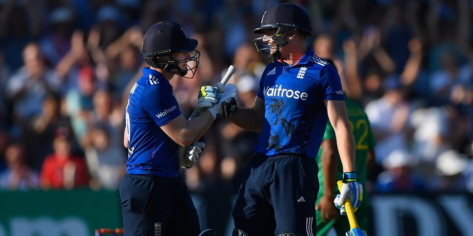 Lancashire Cricket Club Wicket-Keeper batsman Jos Buttler has been named England captain, who celebrates the ODI against Pakistan with former captain Eoin Morgan.jpg