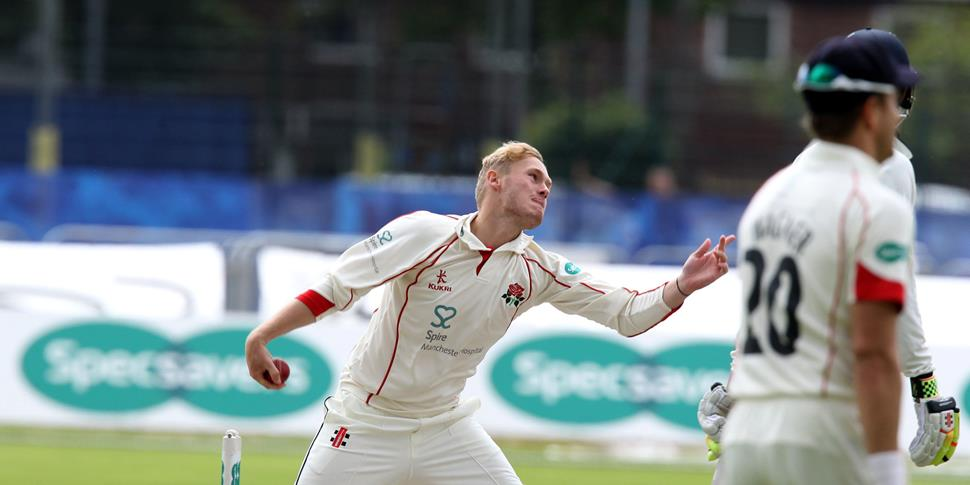 Matthew Parkinson bowling at Emirates Old Trafford for LCCC.jpg