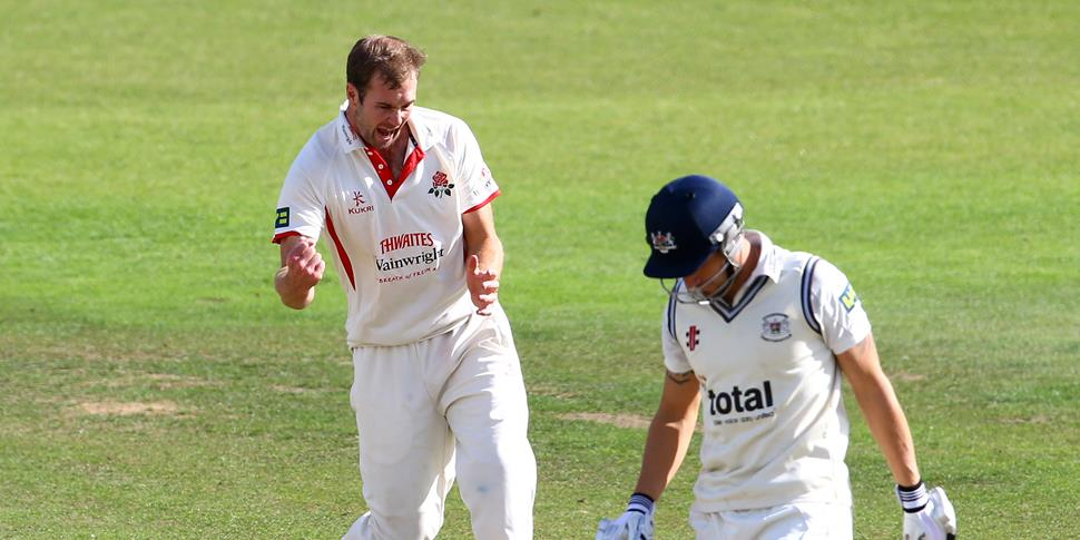Smith celebrates another wicket.jpg