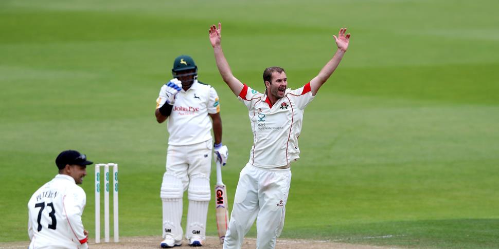 Tom Smith wicket 2016.jpg