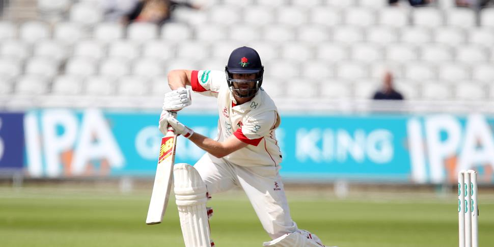Tommy Smith batting at Emirates Old Trafford.JPG