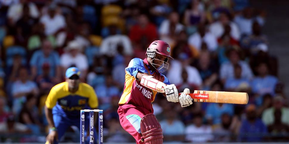 Chanderpaul in action for the West Indies against Sri Lanka.jpg