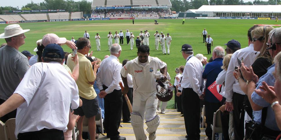 chanderpaultest century at old trafford.JPG