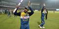 Jayawardene acknowledges the crowd after defeating England in a One-Day International.jpg