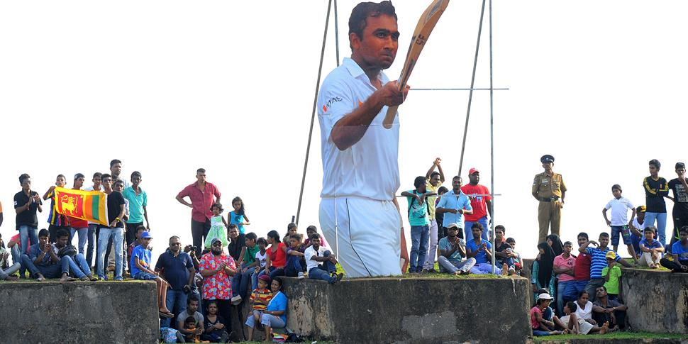 Sri Lanka fans pay tribute to Mahela Jayawardene.jpg