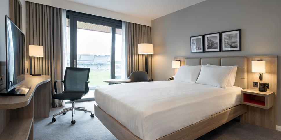 Bedroom images in the Hilton Garden Inn Hotel Emirates Old Trafford Manchester.jpg
