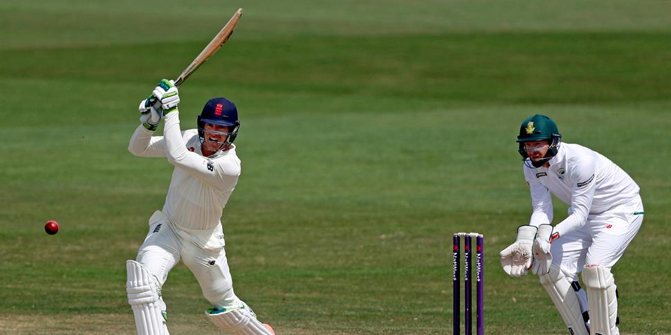 jennings signs for lancashire ccc.jpg