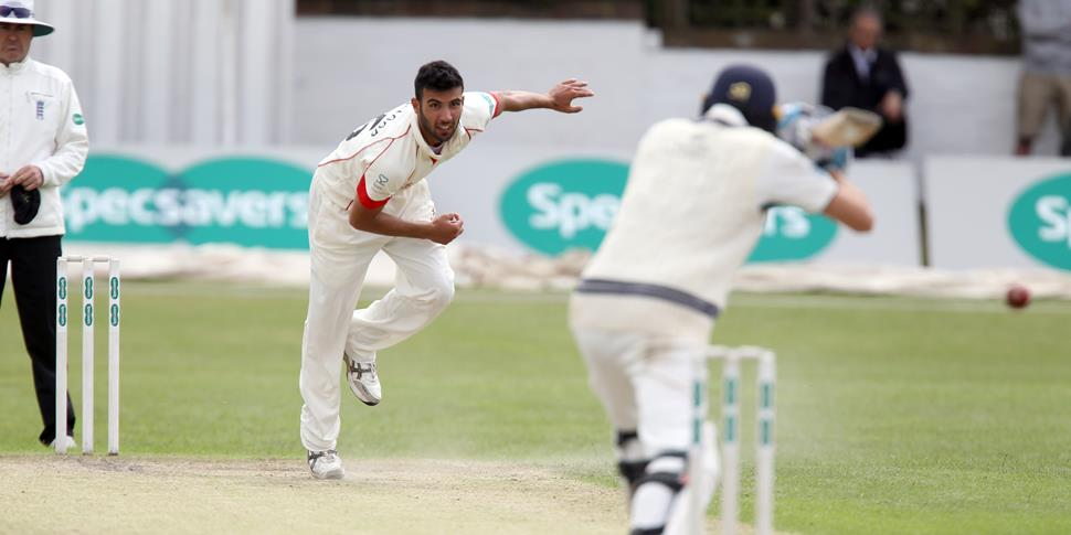 saqib mahmood impressed for Lancashire.JPG