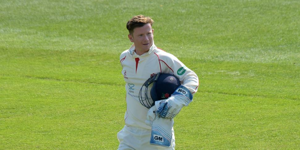 Alex Davies took five catches for Lancashire against Essex.jpg