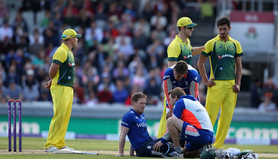 Eoin Morgan receives treatment at Emirates Old Trafford against Australia.jpg
