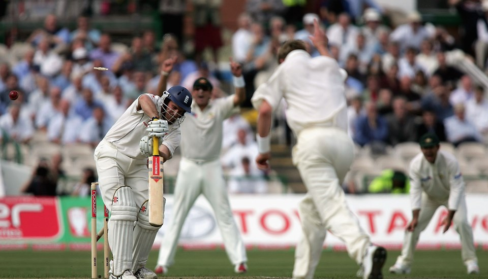 Brett Lee of Australia bowled out England's Andrew Strauss.jpg