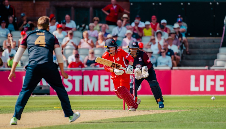 Alex Davies batting in the Vitality Blast clash against Nothants Steelbacks.jpg